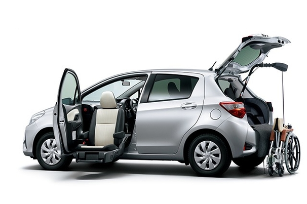 carlineup_vitz_welcab_p_liftup_6_02_pc